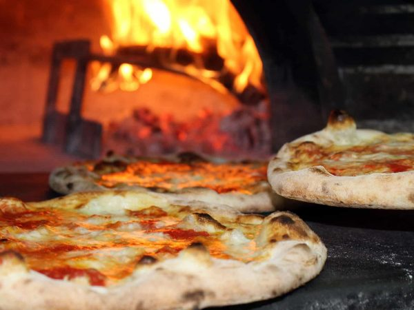 Pizzaofen für den Garten: Test & Empfehlungen (01/20)